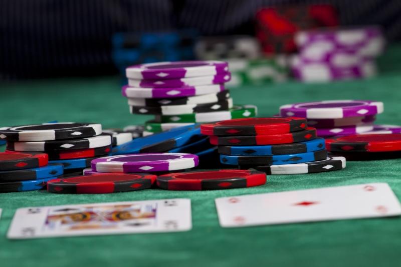 2199912-poker-chips-1